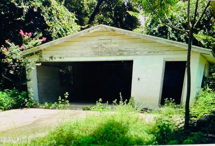 2435 PINE ESTATES RD E, JACKSONVILLE, FL 32218