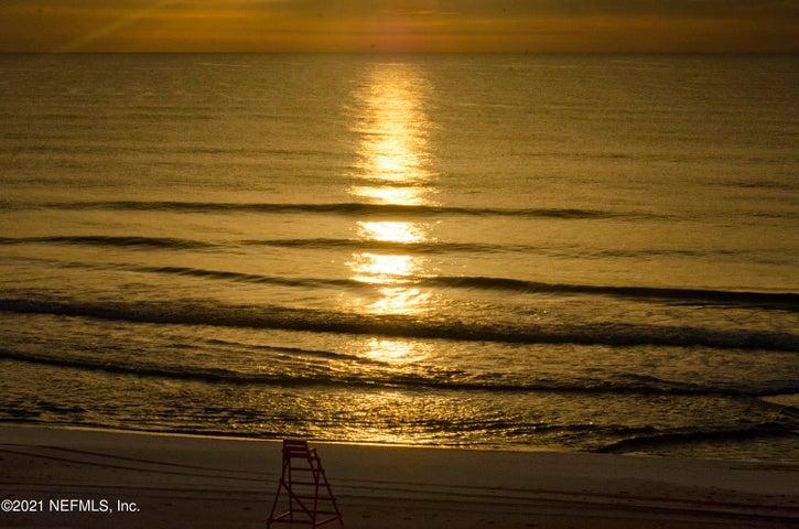1601 OCEAN DR S, 504, JACKSONVILLE BEACH, FL 32250