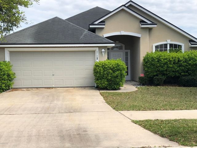 Well Maintained 3/2 in the Watermill subdivision of Argyle/Oakleaf area.  Amenities center you just have to see pools. tennis, basketball, picnic area and soccer.All you have to do is move you furniture in.