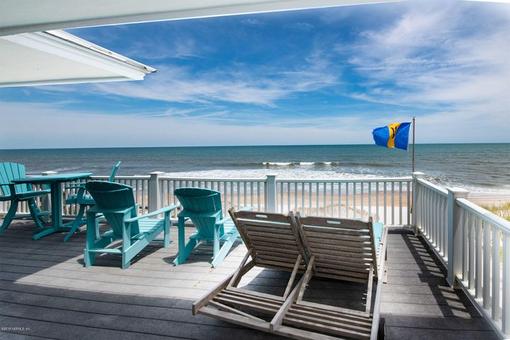 HUGE OCEANFRONT DECK