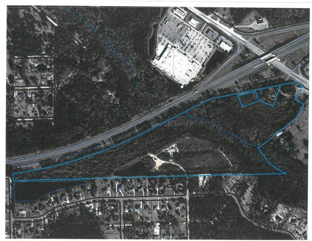 GREAT INVESTMENT PROPERTY: ONE OF THE LAST LARGE TRACTS OF LAND LOCATED ON INTERSTATE 10 AND COUNTY RD 228 IN MACCLENNY. AREA IS DEVELOPING QUICKLY AND HAS VISIBILITY AND TRAFFIC FLOW.