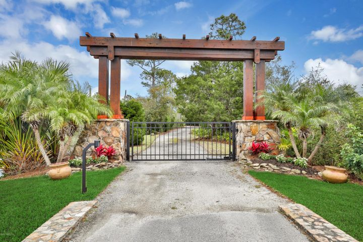 Private Secured Gated Entry to Property