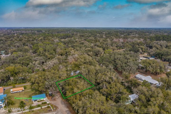 Located in the Town of Welaka, FL this lot is prefect to build your next vacation home or permanent get away. Just a few blocks from the Boat ramp which offers Excellent Fishing/boating activities on the St. Johns River and a quite community setting.