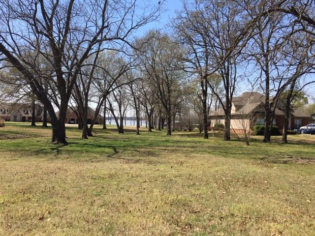 5067LB7: Beautiful Waterfront Building Lot - View from Street