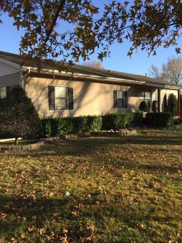 180 Springfield St., Welch, OK 74369