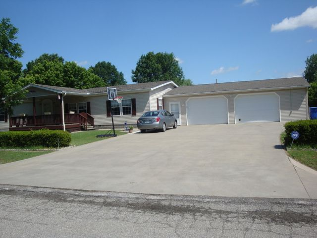1204 30th NW, Miami, OK 74354