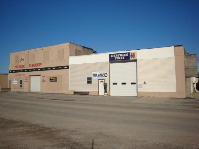 201 S Main St, Commerce, OK 74339