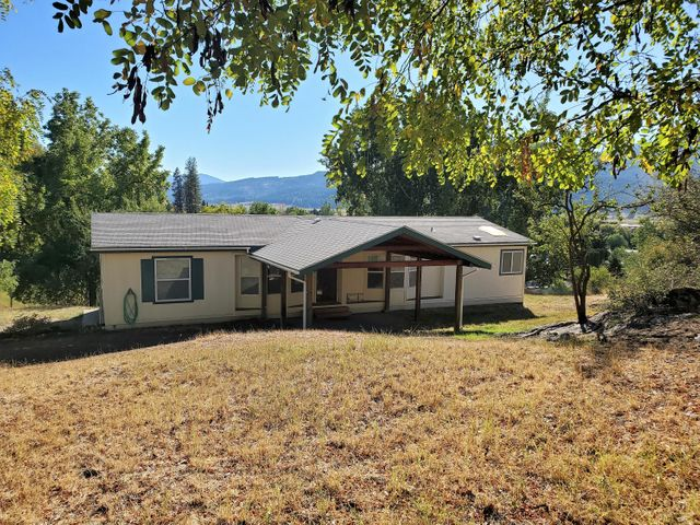 1069 N WASHINGTON ST, COLVILLE, WA 99114