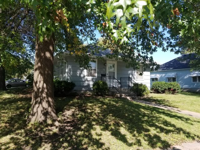 321 W 7TH ST, Maryville, MO 64468