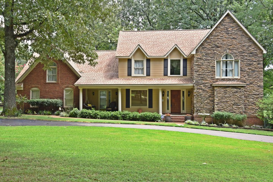 5801 S Manor Cove, Olive Branch, MS 38654