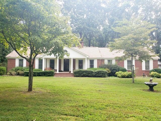 960 Salem Avenue, Holly Springs, MS 38635