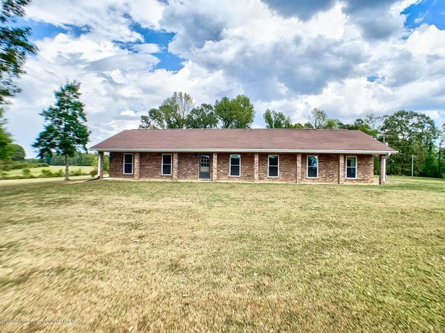 350 Co Rd 717, Blue Mountain, MS 38610