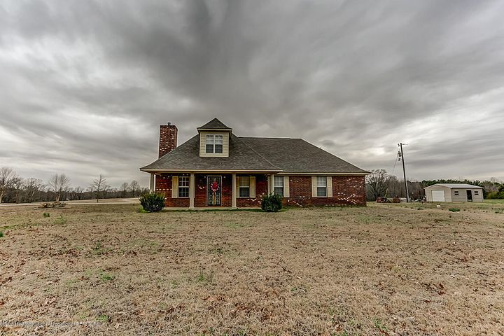 288 Parks Road, Coldwater, MS 38618