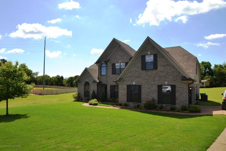 9159 Mitchell Farm Cove, Olive Branch, MS 38654
