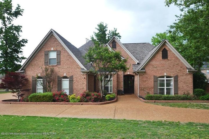 8560 Lakeview Drive, Olive Branch, MS 38654