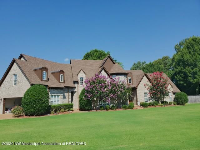 6105 Autumn Oaks Drive, Olive Branch, MS 38654