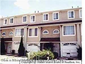 48 Benjamin Drive, Staten Island, NY 10303