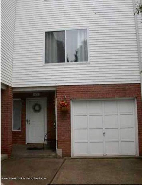 71 Amanda Court, Staten Island, NY 10312