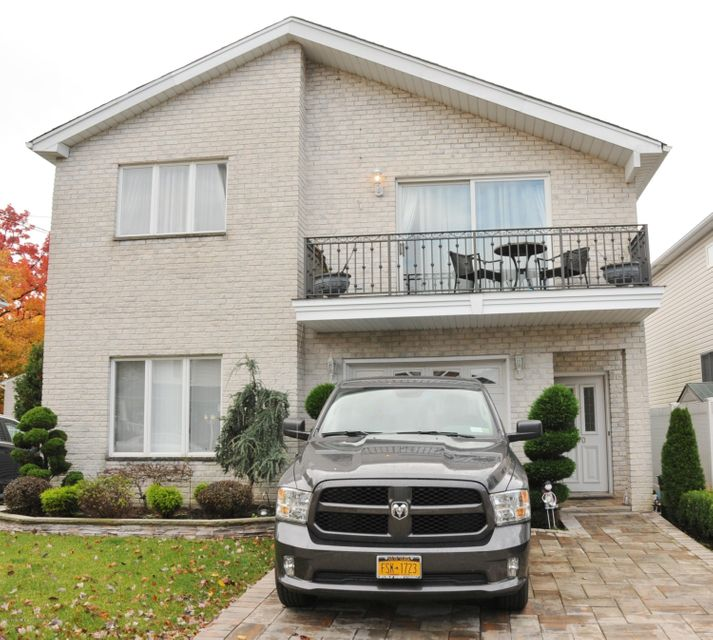 Two Family - Detached in Woodrow - 770 Rathbun Avenue  Staten Island, NY 10309
