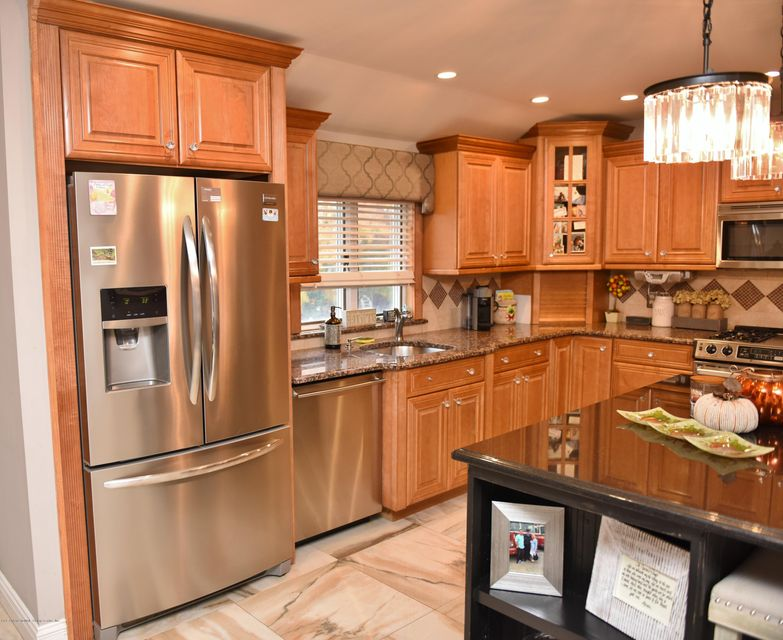 Two Family - Detached 770 Rathbun Avenue  Staten Island, NY 10309, MLS-1123786-20