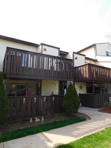 76 Timber Ridge Drive, Staten Island, NY 10306