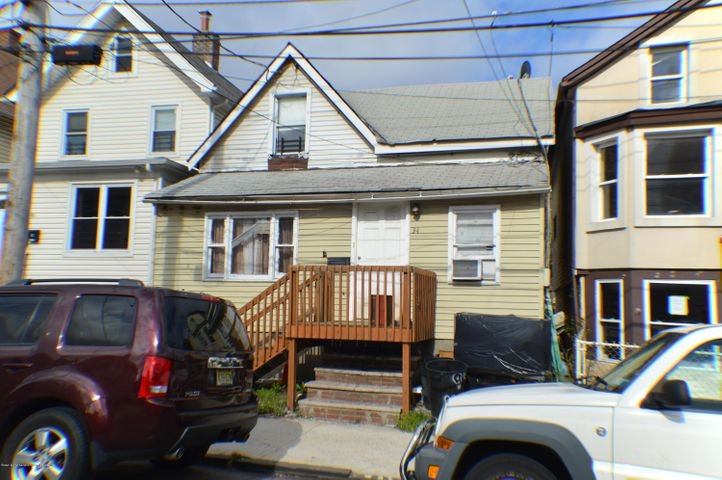 94 Maple Avenue, Staten Island, NY 10302