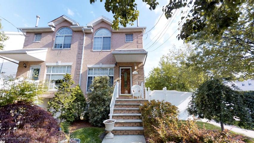 1090 Sheldon Avenue, Staten Island, NY 10309