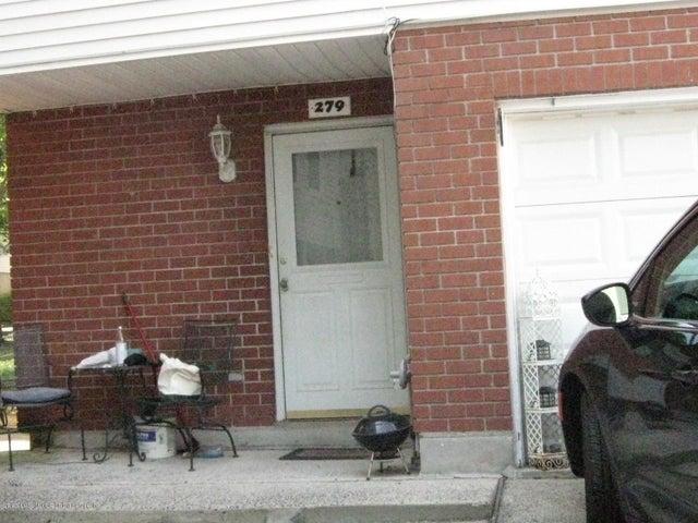 279 Ilyssa Way, Staten Island, NY 10312