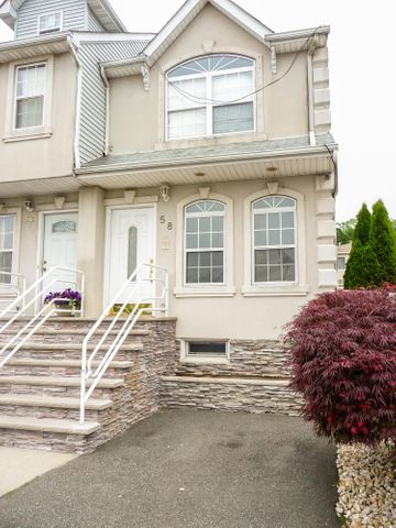 58 Millstone Court, Staten Island, NY 10314