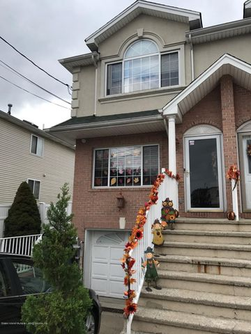 42 Endview St, Staten Island, NY 10312