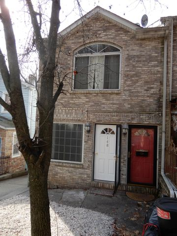 148 Hillside Avenue, Staten Island, NY 10304