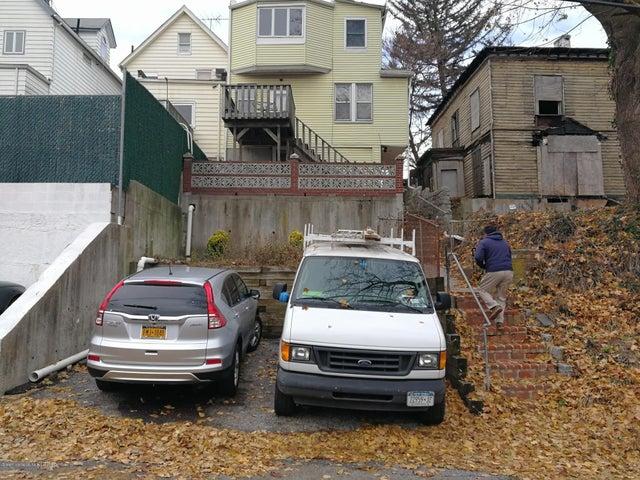232 Fingerboard Road, Staten Island, NY 10305