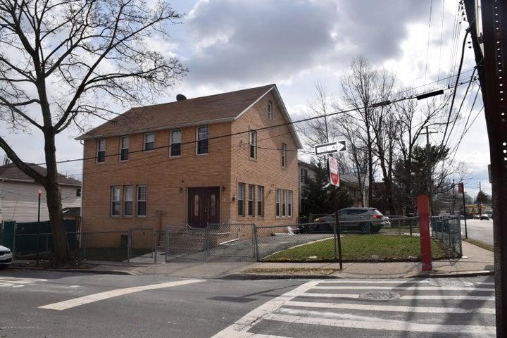 2360 Richmond Rd, Staten Island, NY 10306