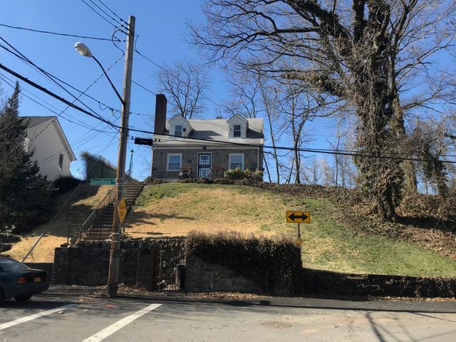 94 Dorothea Place, Staten Island, NY 10306