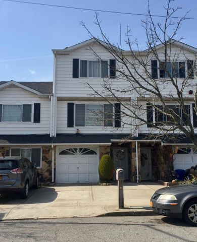 231 Carlyle Green, Staten Island, NY 10312