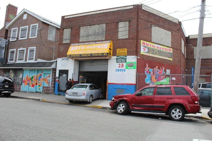 28 Grove Ave Avenue, Staten Island, NY 10304