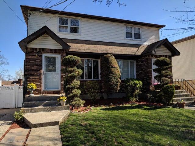 824 Stafford Ave, Staten Island, NY 10309