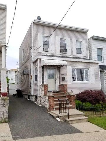 594 Tompkins Avenue, Staten Island, NY 10304