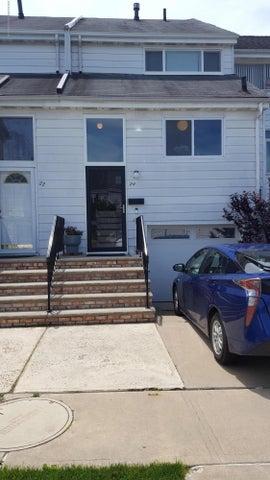 24 Princeton Lane, Staten Island, NY 10312