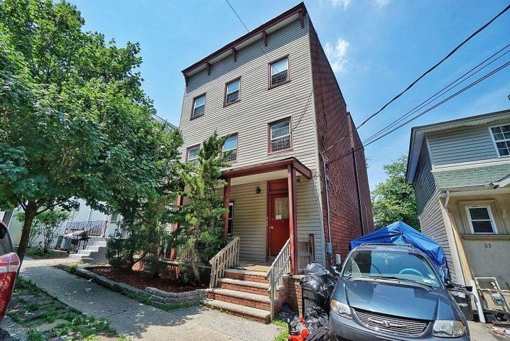 25 Henderson Avenue, Staten Island, NY 10301