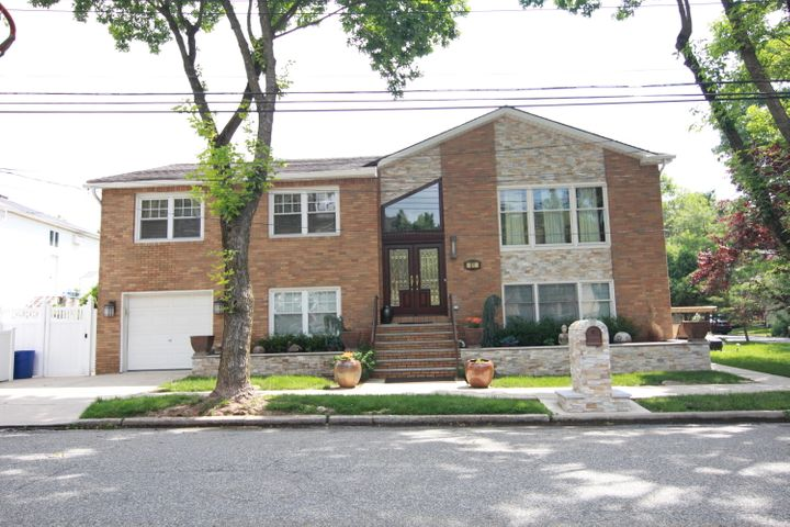 81 Rae Avenue, Staten Island, NY 10312