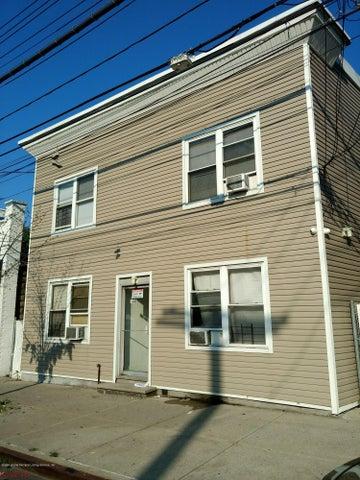 660 Richmond Road, Staten Island, NY 10304
