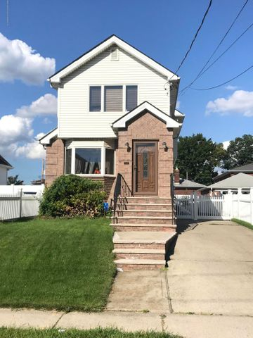209 Adams Avenue, Staten Island, NY 10306