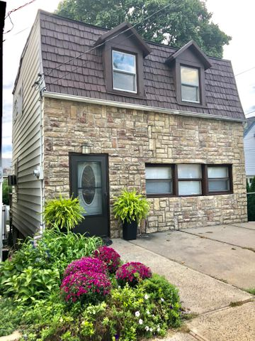 Located in the heart of Fort Wadsworth, this home has been renovated and is a gem!