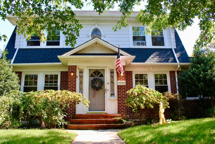 Welcome home to 57 Westbury Ave in Randall Manor