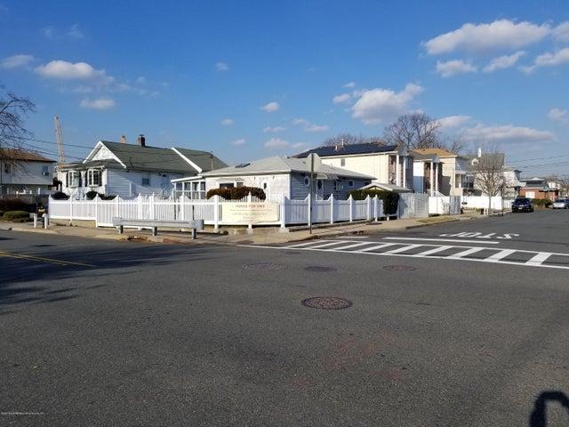 69 Ebbitts Street, Staten Island, NY 10306