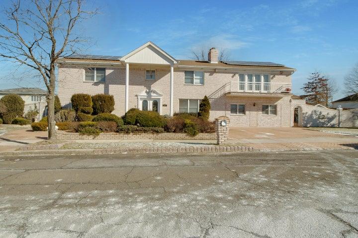 30 Alverson, Staten Island, NY 10309