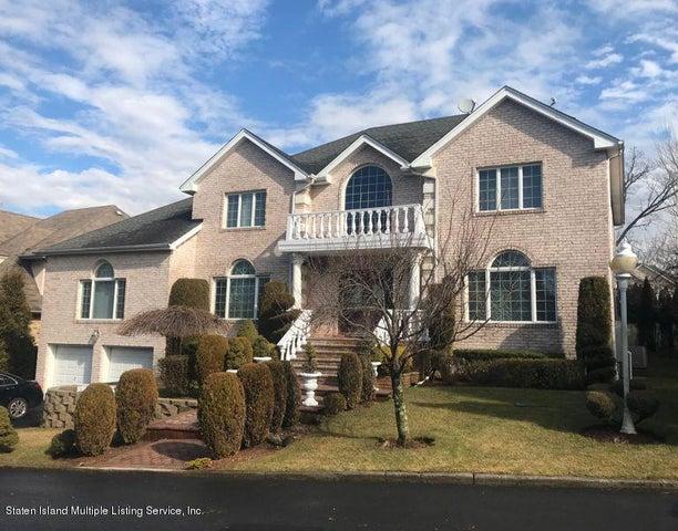 35 Arbor Court, Staten Island, NY 10301