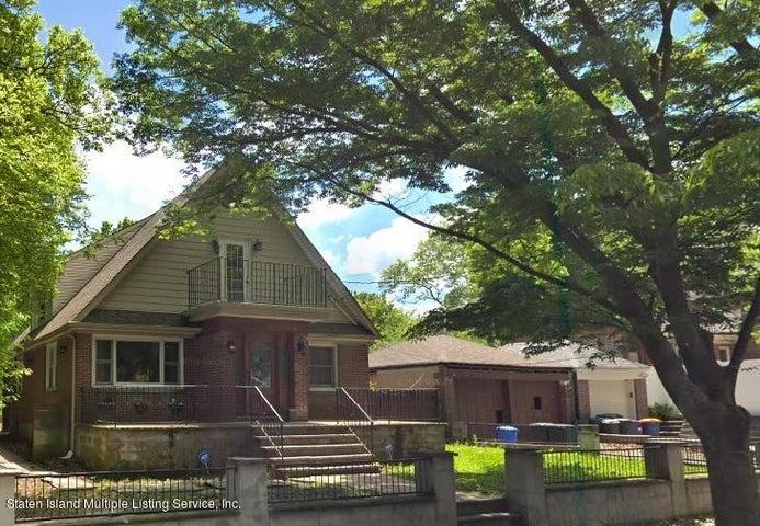 24 Gregg Place, Staten Island, NY 10301