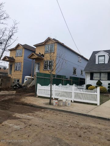 460 Villa Avenue, Staten Island, NY 10302